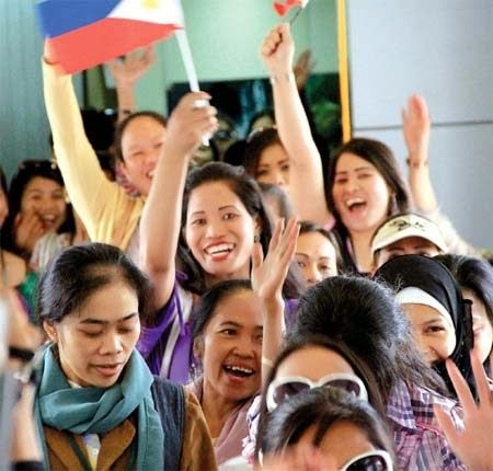 Daggerwebz: THE SACRIFICE MY FILIPINO MAID MAKES....