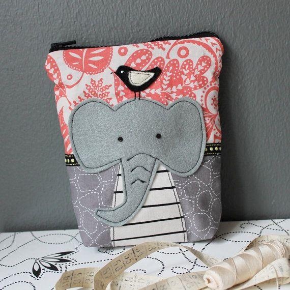 Hip elephant with bird  zippy pouch with applique von syko auf Etsy, €22,00