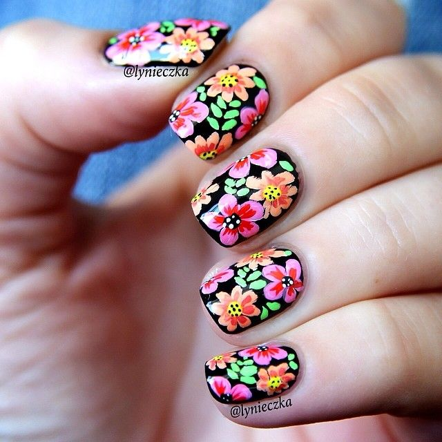 Dark floral nail art - nails - manicure - winter flowers