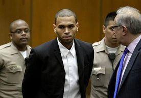 2-Nov-2013 12:59 - CHRIS BROWN SPREEKT RECLASSERING. Chris Brown heeft vrijdag kennisgemaakt met zijn nieuwe reclasseringsambtenaar. In het gesprek heeft hij volgens bronnen van TMZ ruiterlijk erkend dat hij problemen heeft zijn woedeaanvallen te beheersen.