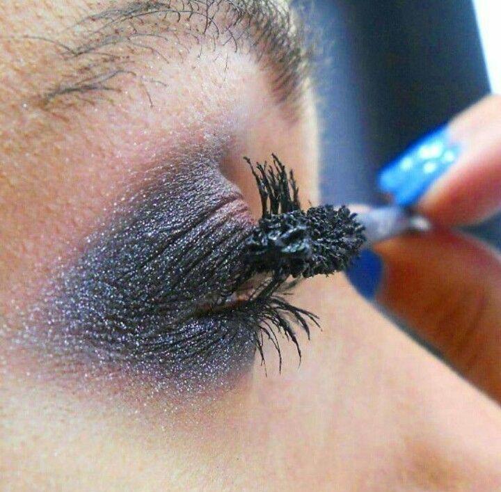 Makeup Cinderella Mac Mineralize Eyeshadow Zoom Lash #maccosmetics #andreeacobzaru #makeupartist