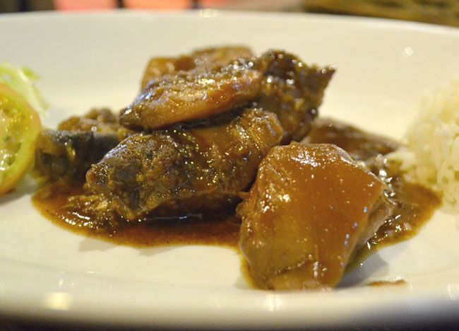 CPA Chicken Pork Adobo - Top 10 Filipino Food - For our full top 10 Filipino food check here: http://live-less-ordinary.com/eating-asia/top-10-filipino-food-pinoy-food