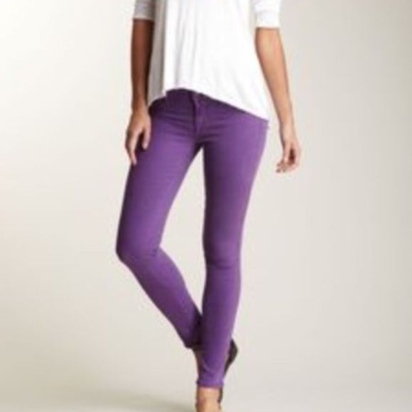 ELSE Bright Purple Skinny Jeans Brand New ELSE Bright Purple Skinny Jeans. Size 26. 13 waist. 28' Inseam. 4.5' leg opening. Super Stretchy. Smoke free home. I do have puppies. Please use the offer button for all offer. Thanks 💋 Else by Macy's Jeans Skinny