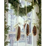 I was thinking wreaths, but maybe this instead!Kitchens Windows, Decor Ideas, Ribbons, Christmas Decorations, Christmas Windows, Pine Cones, Windows Treatments, Holiday Decor, Windows Decor