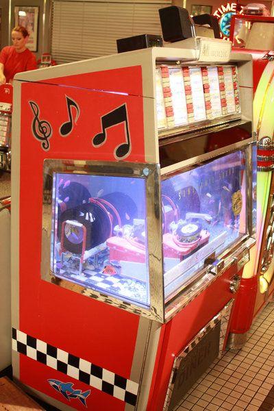 76 besten ami jukeboxes the 1950s bilder auf pinterest for Jj fish and chips