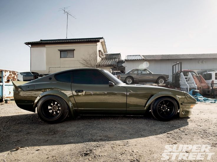 Love these old school Z cars