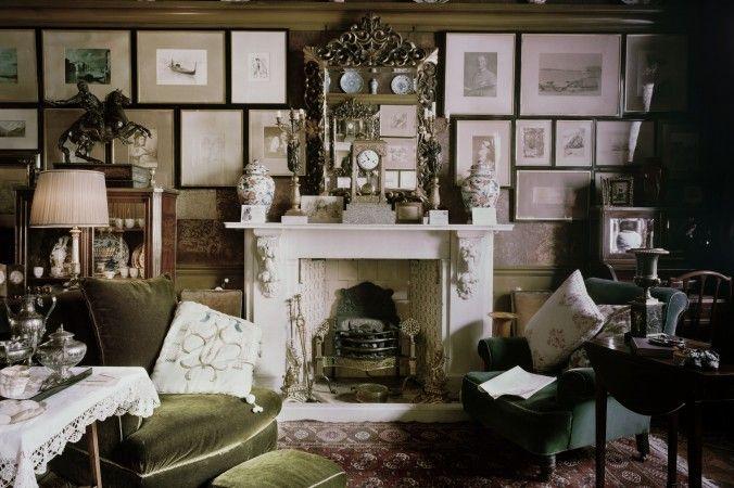 The Victorian Drawing Room of 18 Stafford Terrace, Kensington, London (© Justin Barton)