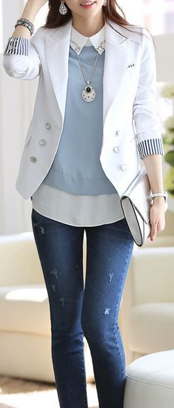 Gorgeous work casual outfit. I love the blazer!