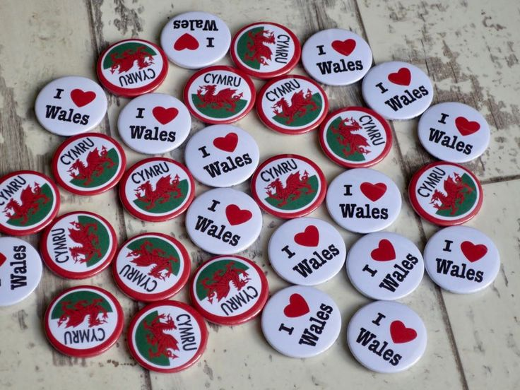 I love Wales, Cymru & welsh pride button badges. All of our badges are 25mm butt… – Button badges