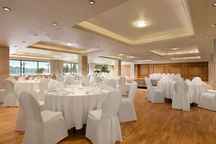 Planning your wedding at Ramada Loutraki Poseidon Resort, will make that special day of yours remembered for a very long time!
