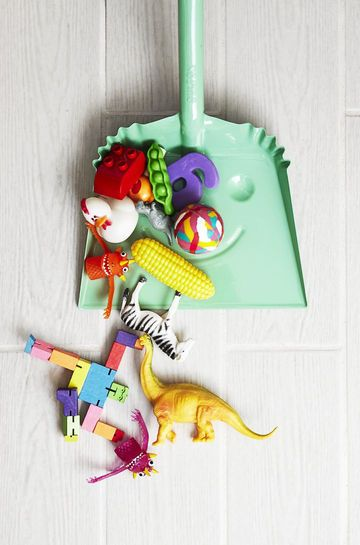 5 Ways to Make Spring Cleaning Easier with Kids - Enlist the kids to help you with spring cleaning and organizing the house. Follow this plan to turn de-cluttering into a family affair.