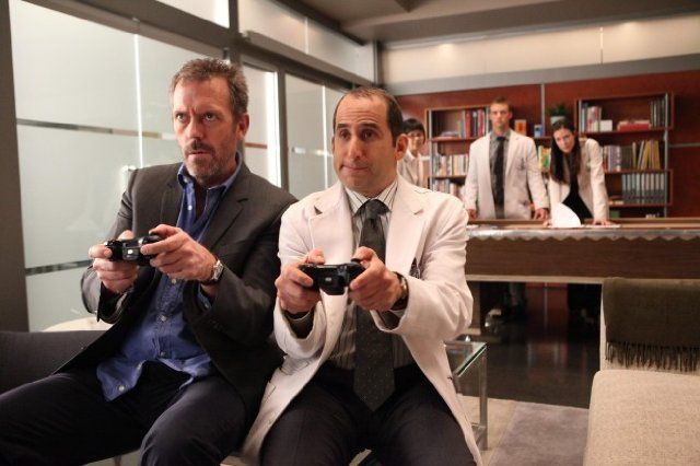 Still of Peter Jacobson and Hugh Laurie in House M.D.