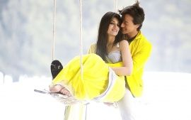 Kriti Sanon Heropanti with Tiger Shroff Romantic Photo
