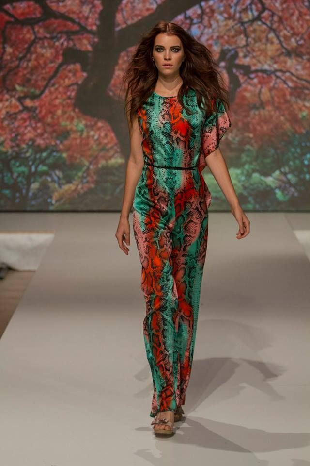 Izabela Komjati fashion show
