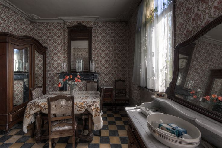 Inside an abandoned Belgian farm house | Abandoned Beauty ...