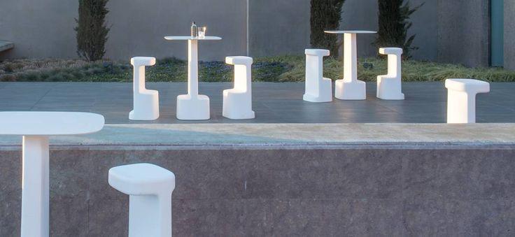 Pedrali SERIF asztal és bárszék