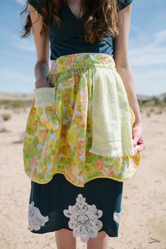 Vintage half apron, Half apron with kitchen towel <3