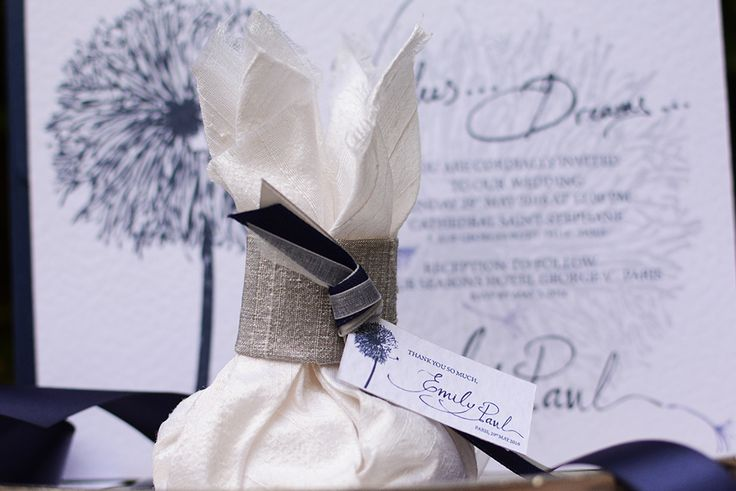 Luxury silk wedding favors with a thank you card - Chirography