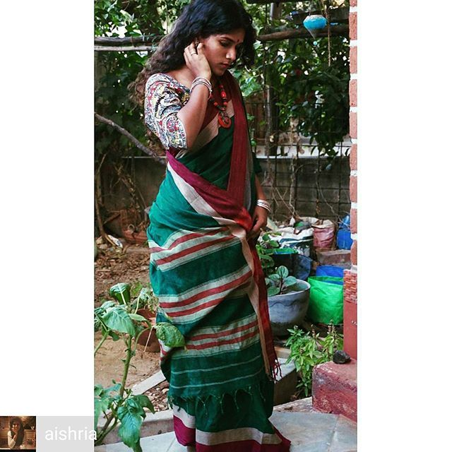 from @aishria -  One of almost every Indian woman's most precious inheritances is a sari that once belonged to her mother.  #motherslove #sareelove #handloomsarees #deepgreen #sareeborder #100sareechallenge #1stof100 #worldenvironmentday2017 #easybreezy #softandsustainable #handloomed #100sareepact