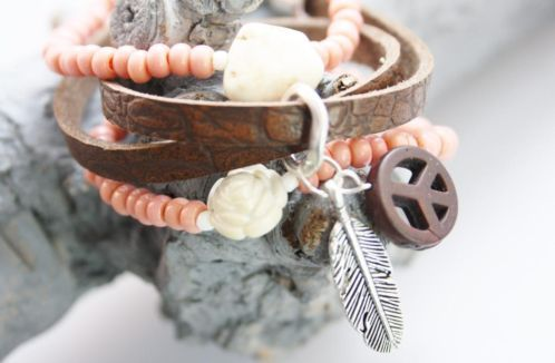 Ownmade Ibiza bohemien style jewellery made by Marijke♡·········peachy brown