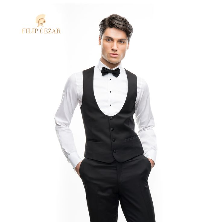 Vestă de ceremonie realizată la comandă Filip Cezar Black  Modelul din imagine poate fi asortat cu orice costum de mire. http://www.filipcezar.com/ro/veste/290-vesta-filip-cezar-black.html #FilipCezar #Bespoke #Suits #Black #Waistcoat