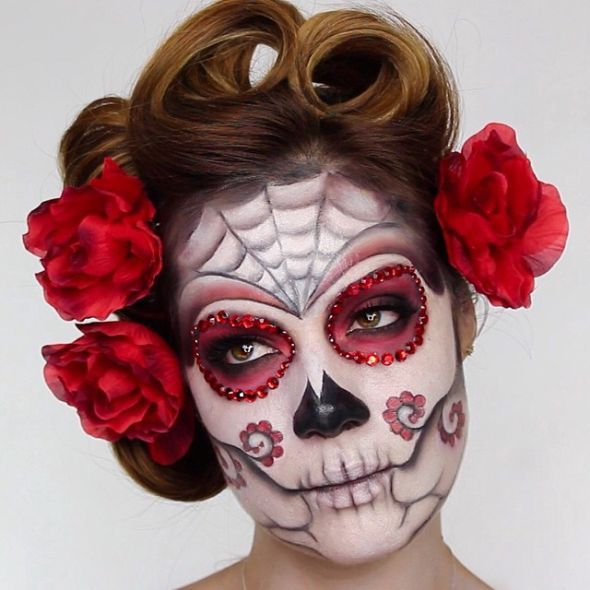 Sugar Skull Make-Up zu Halloween                                                                                                                                                                                 Mehr