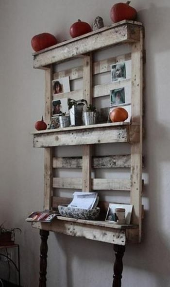 Craft Room Storage: Unique Solutions - Pallet Wall Shelf (image)