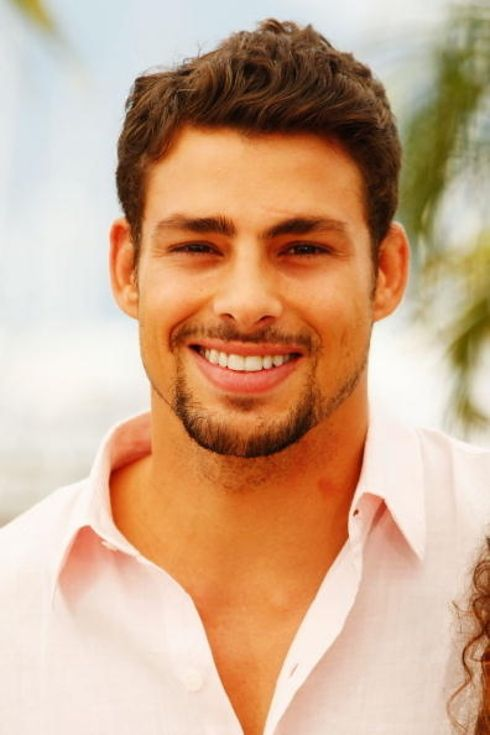 22 Latino Actors That Should Be Taking Over Hollywood - Caua Raymond - He is from Brazil, works in Brazil. HIs credits; Brazilian novelas and cinema.  Most successful in his country, most recent work in the novela Avenida Brasil.