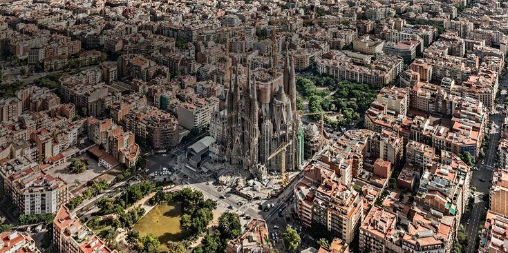 La Sagrada Familia, el templo emblemático de Gaudí en Barcelona, España.
