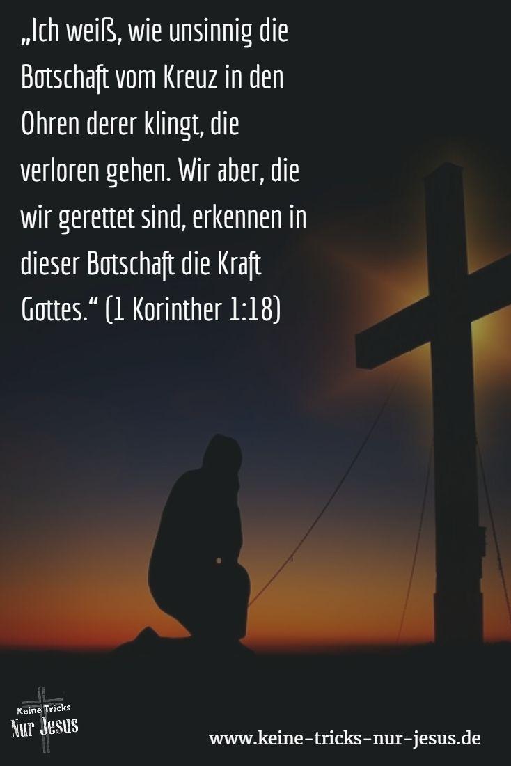 """""""Ihr seid doch verrückt"""" – Ja, es stimmt, wir sind ver-rückt. • Wir sind ver-rückt raus aus den Sorgen, weil wir wissen, daß Gott für uns sorgt (Matthäus 6:31-33). • Wir sind ver-rückt raus aus der Angst vor dem Tod, weil wir wissen, daß wir dann all das Herrliche sehen, woran wir derzeit """"nur"""" glauben (2 Korinther 5:1). • Wir sind ver-rückt aus den dämonischen Angriffen, weil Jesus für uns Teufel + Dämonen besiegt und uns alle Macht über sie gegeben hat (Lukas 10:19-20)"""