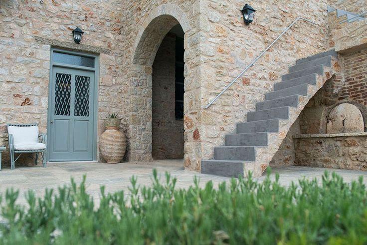 Πατητη τσιμεντοκονια, εγχρωμος αρμος πετρας / Lava finish, colored stone joint by www.evomat.com