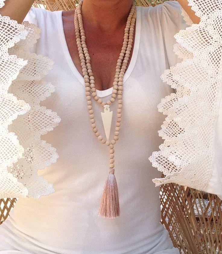 Le chouchou de ma boutique https://www.etsy.com/listing/236216161/2-sautoirs-boheme-style-mala-en-perles