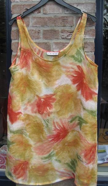 batik jurk/top Maat L XL Prijs: € 14,50