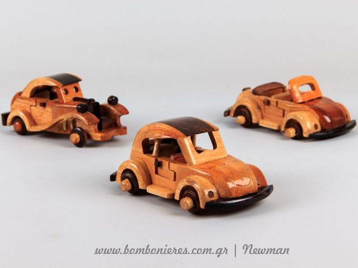 Ξύλινες μινιατούρες με θέμα οχήματα
