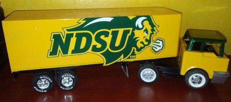 NCAA NDSU Bison Football Vintage Nylint Semi Truck Tractor & Trailer steel Wentz #Nylint #NorthDakotaStateBison