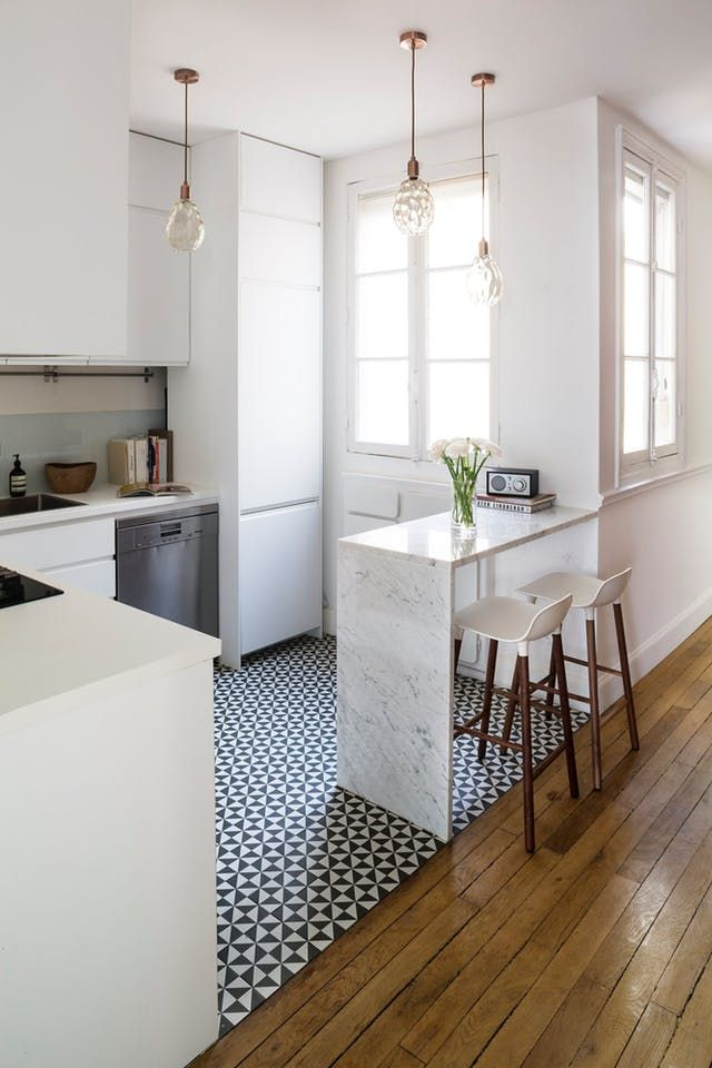 This Chic Paris Apartment Is a Perfect Mix of Old & New | Apartment Therapy