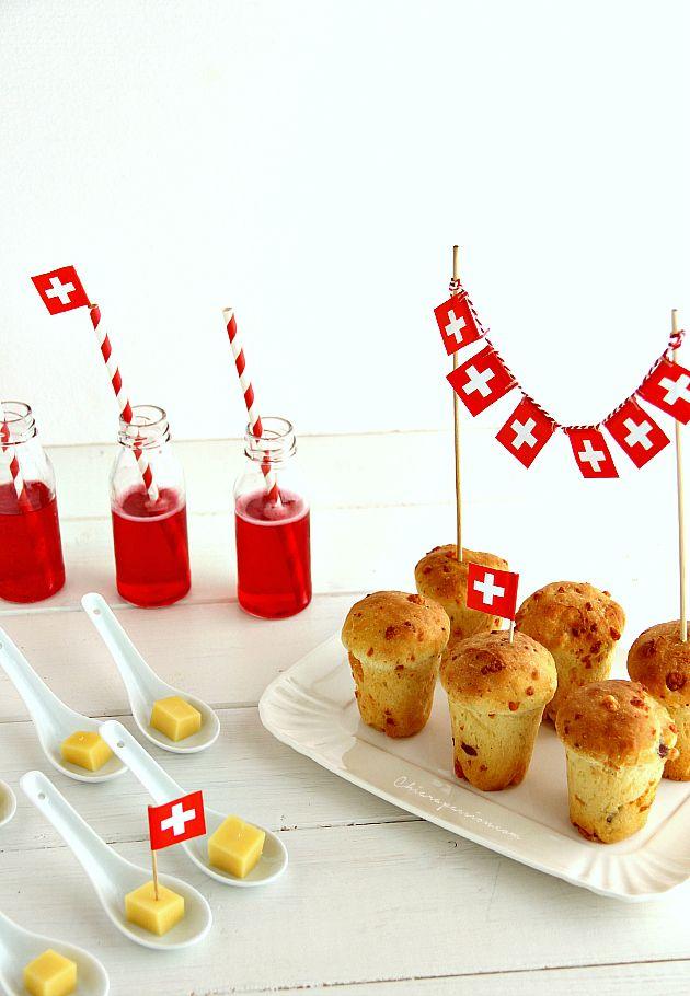 Babà rustici al formaggio gruyère per un incontro Italia- Svizzera in tavola. Il babà mi porta subito nella mia amata terra, mi parla di tradizioni, di sapori legati ai ricordi e alla ricetta del cuore di mia nonna.     Il babà dolce napoletano è conosciutissimo in tutto il mondo ma voi lo co