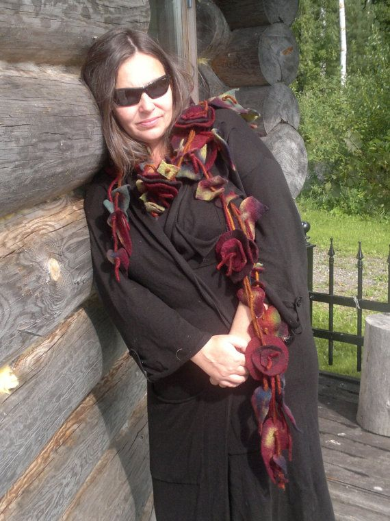 Felt scarf made of merino wool