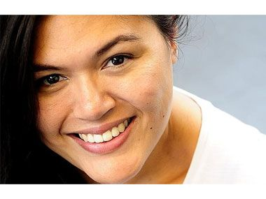 ATSI playwright #NakkiahLui writes 2nd play, #KilltheMessenger, on at the #Belvoir, reviewed by Jeremy Eccles http://news.aboriginalartdirectory.com/2015/02/dont-kill-the-messenger.php