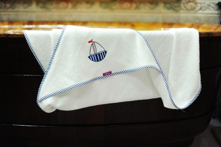 Ręcznik wykonany ze 100 % CV bambus, frotte, idealny dla dzieci po kąpieli oraz w trakcie snu. #recznik #kapiel #bambus #frotte #sen #dziecko #dzieci