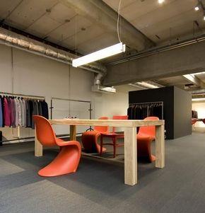 panton chair oranje kantoor