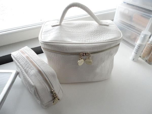 White beautybags ready to travel