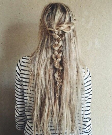 Amazing hair and stripes