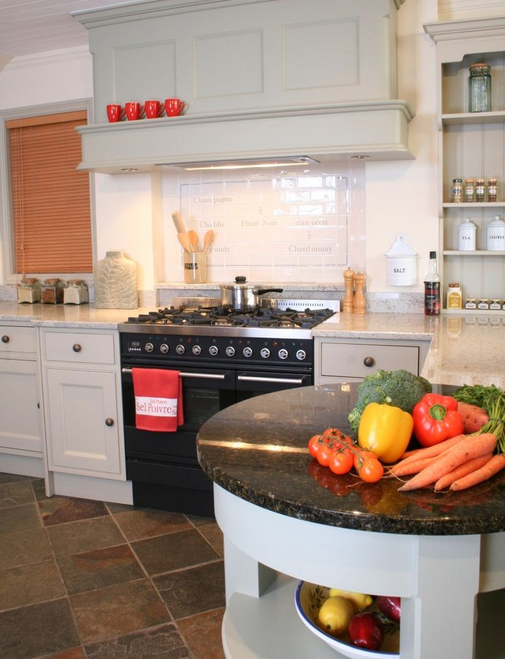 Hood  in a traditional Shaker kitchen [kitchen case study]