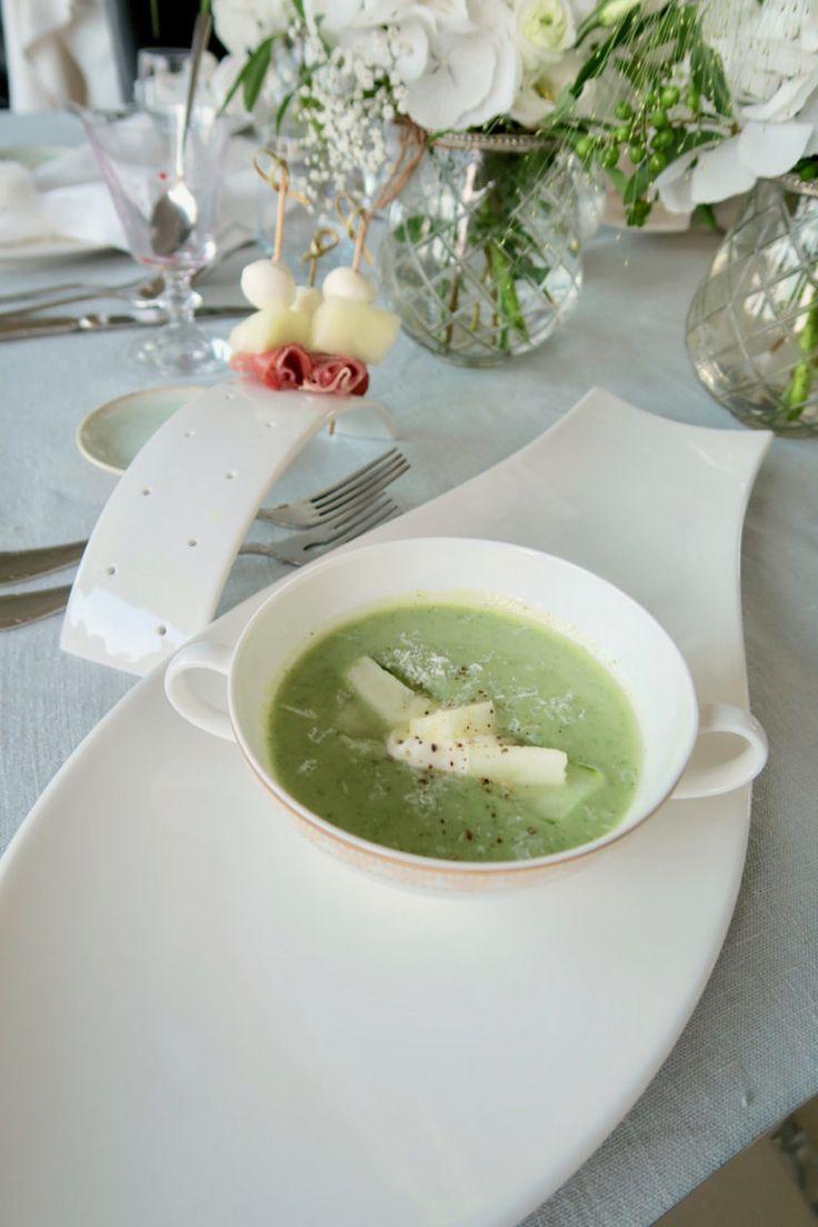 Geeiste Gurken-Avocadosuppe mit Melone von Bine kocht! -  #Allgemein, #Avocado, #Chili, #Dille, #GriechischesJoghurt, #Gurke, #Gurkensuppe, #Honigmelone, #KalteSuppe, #Melone, #Parmesan, #Pfeffer, #Soup, #Suppe