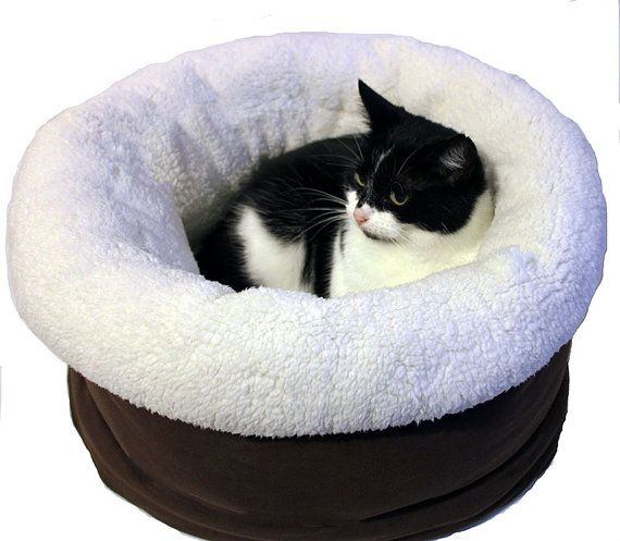 Cats basket small dogs basket bed pet basket bed cat by Poezenrijk