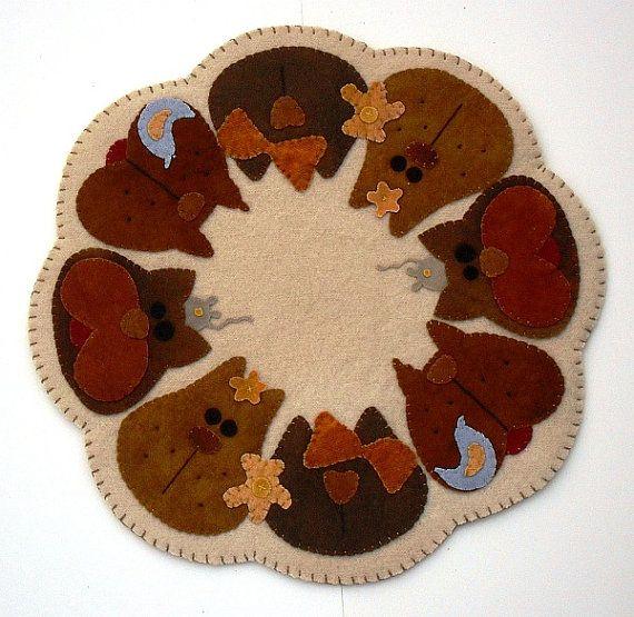 "PATTERN - Primitive Folk Art Wool Applique Candle Mat - ""Krazy Kats"" (Pattern No. KK-137)"