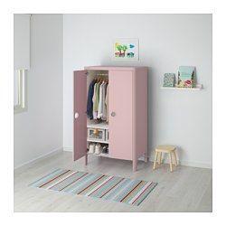 """IKEA - BUSUNGE, Garderobeskap, , Du kan justere høyden på både garderobestanga og hyllene i takt med at barnet ditt vokser.Den innebygde demperen gjør at døra lukkes sakte, stille og mykt.Håndtakene har transparent plast i bunnen, som beskytter mot støv og smuss, men lar deg ane hva som finnes inni.Garderoben har mykt rundede hjørner og skjulte beslag.Dyp nok for kleshengere i """"voksenstørrelse""""."""