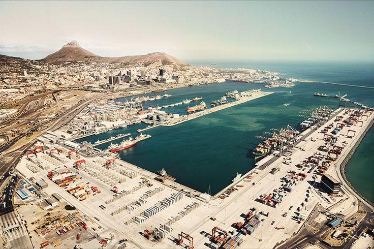 Capetown Landscape by Dominik Mentzos #capetown #landscape