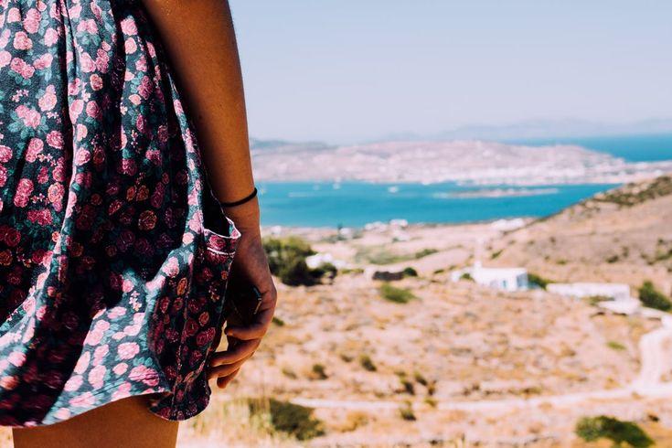 Sukienki długie z powodzeniem noszone są od pokoleń, moda na nie nigdy nie minie. Dodadzą one szyku każdej z pań. Przeważnie wybierane są na różnego rodzaju imprezy okolicznościowe np. studniówka, przyjęcie weselne oraz im podobne, bez kłopotu odpowiednio dobrana nadaje się również na spacery,... http://twojaszafa.idealna.net/eleganckie-sukienki-dlugie-i-sukienki-letnie/